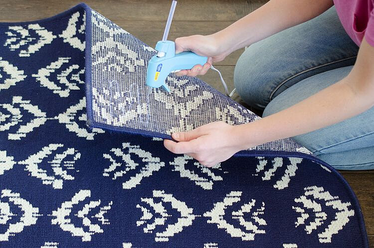 Add traction to a rug