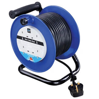 Masterplug Heavy-Duty Cable Reel 240V 13A 4 Socket Thermal Cut Out